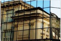 W Warszawie tradycja przegląda się w lustrze